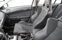 2008 Mitsubishi Lancer Evolution GSR кресла