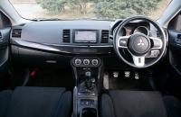Mitsubishi Lancer Evo X салон