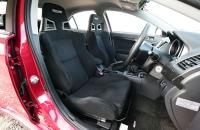 Mitsubishi Lancer Evo X кресла
